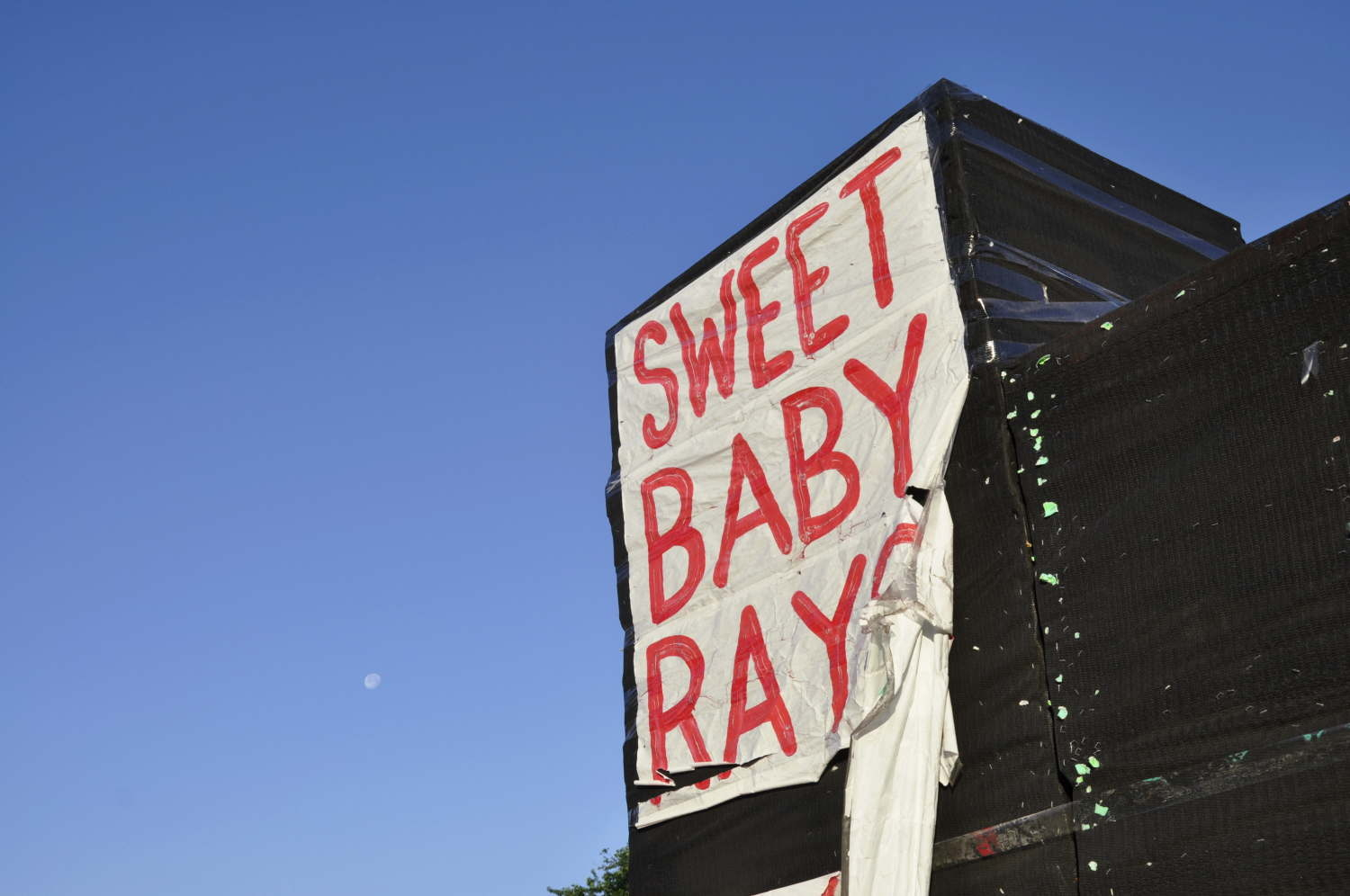 Sweet Baby Ray and the Moon